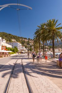 3713838-tramway-way-port-de-soller
